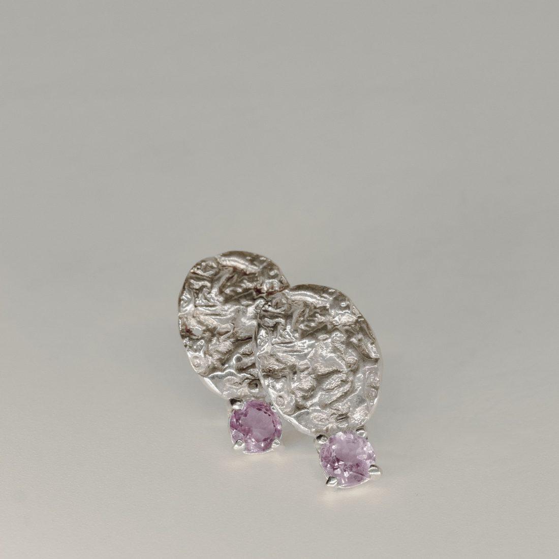 Текстурные серьги с камнем, серебро 3