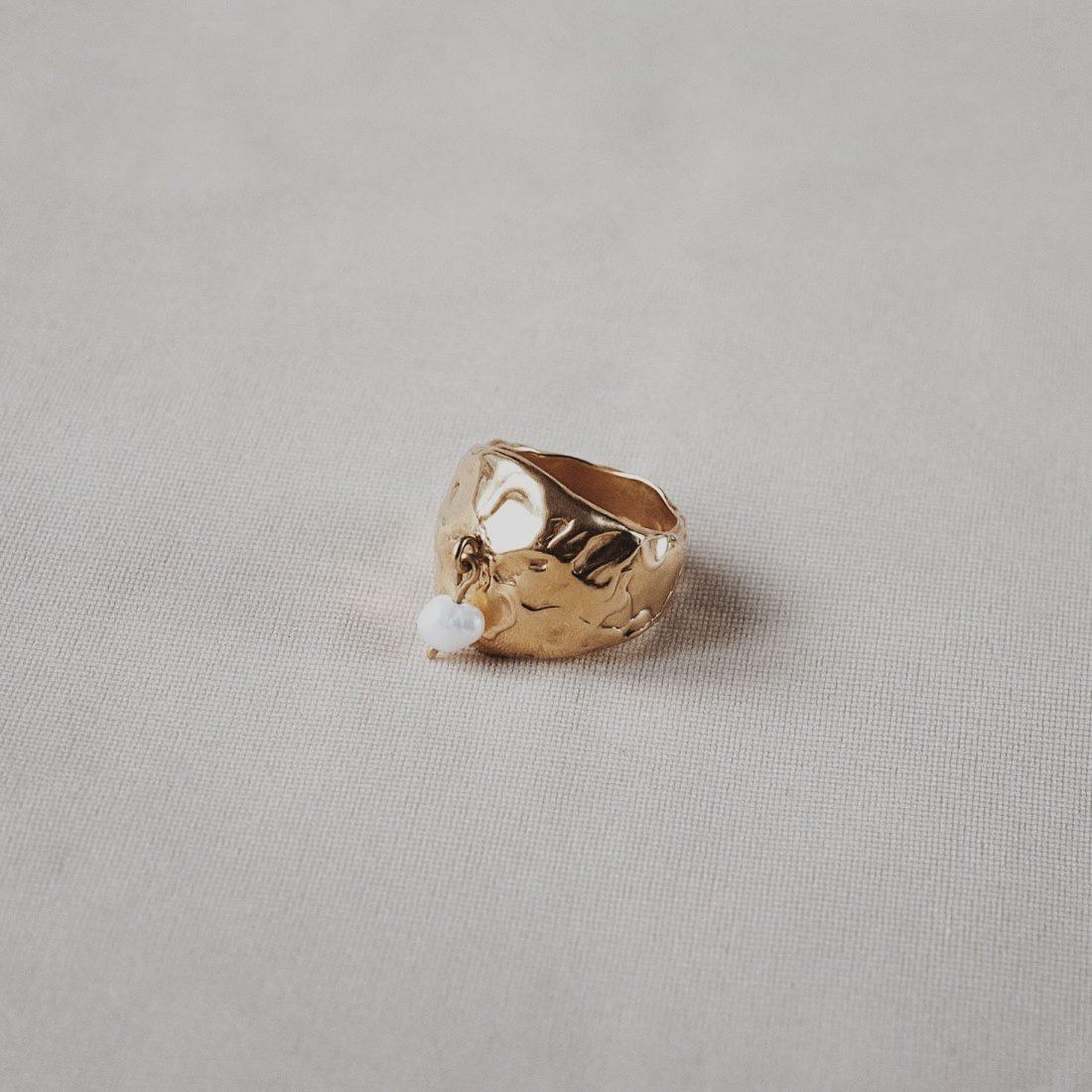 Кольцо с жемчужной подвеской, позолота 3