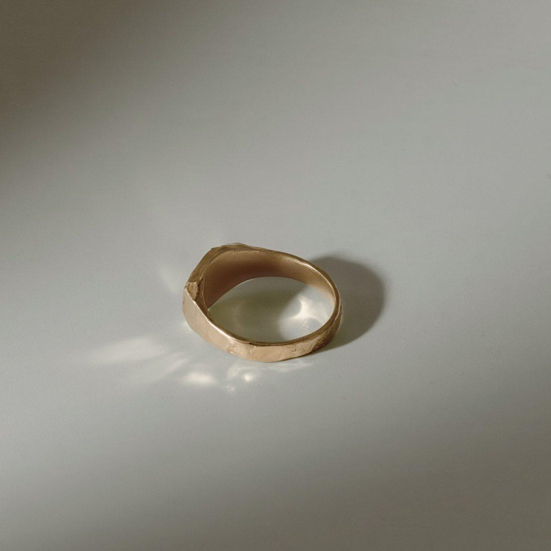 Кольцо печатка с камнем, позолота 2
