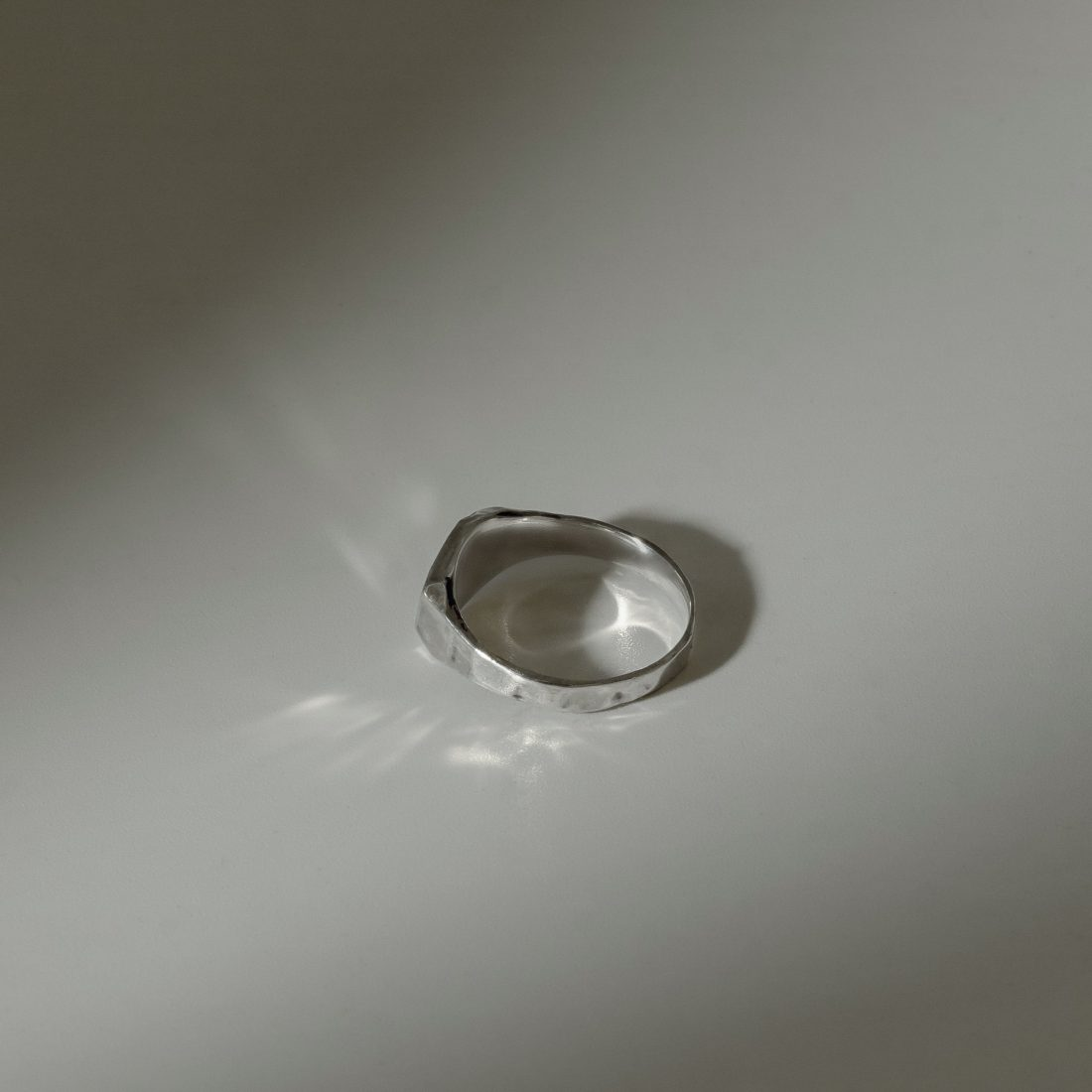 Кольцо печатка с камнем, серебро 3