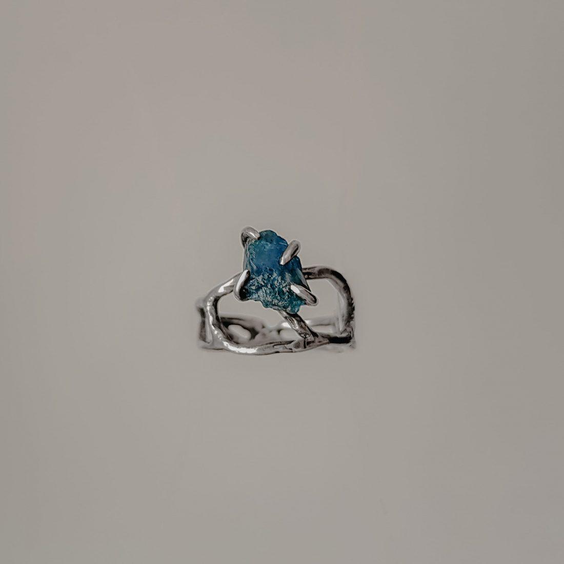 Ажурное кольцо с необработанным камнем, серебро 3