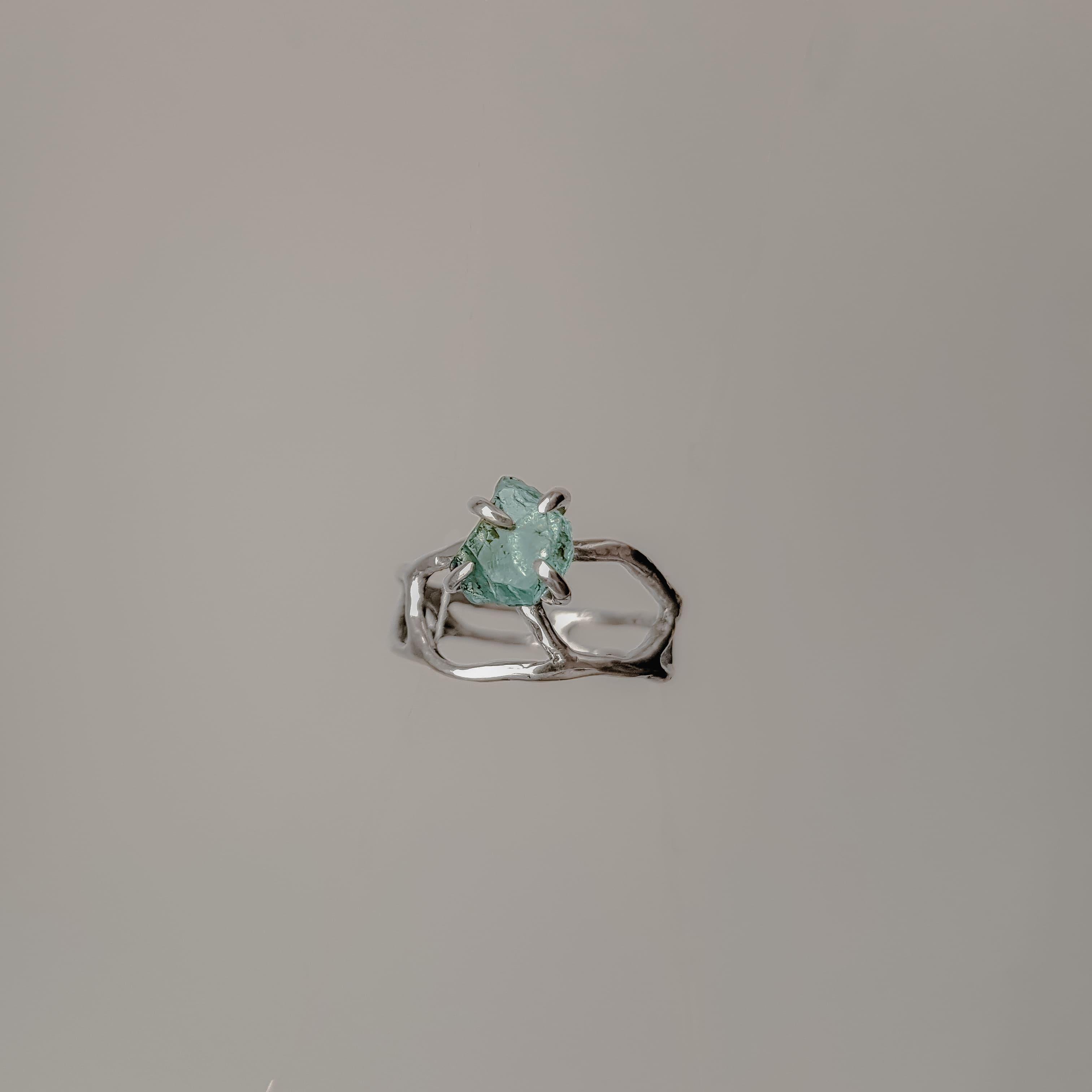 Ажурное кольцо с необработанным камнем, серебро 1
