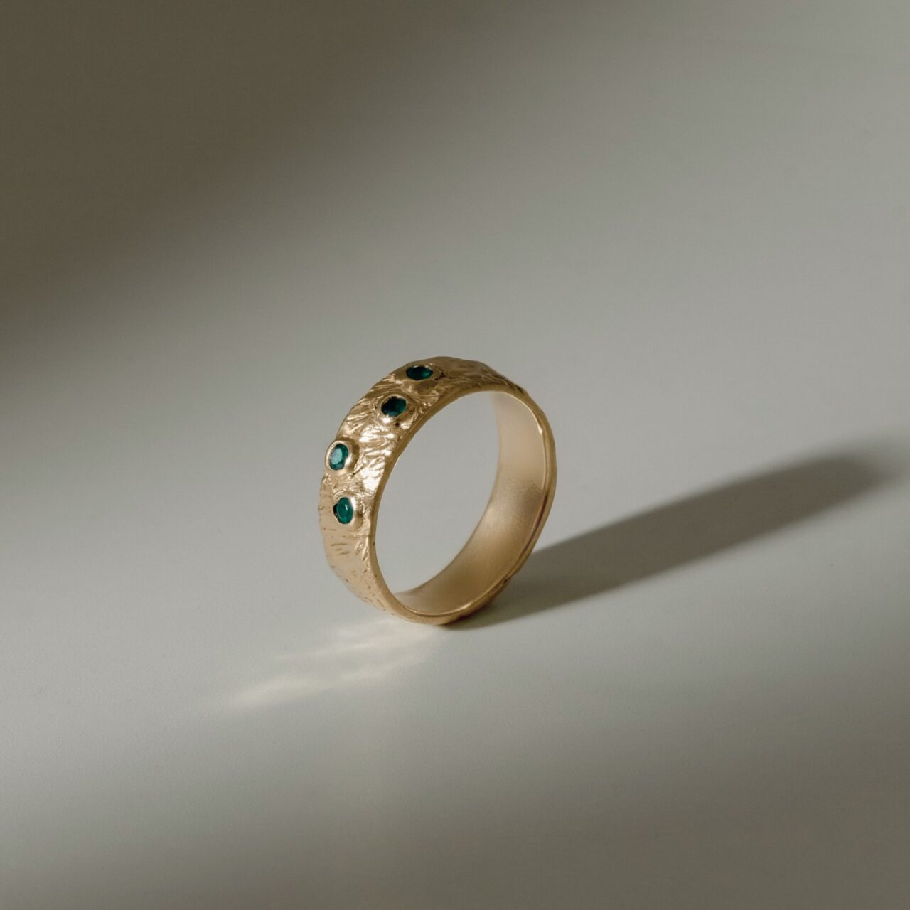 "Кольцо ""Кора"" с четырмя камнями, позолота"