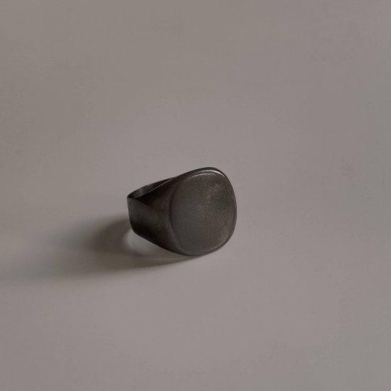 Черная печатка «Laconic»