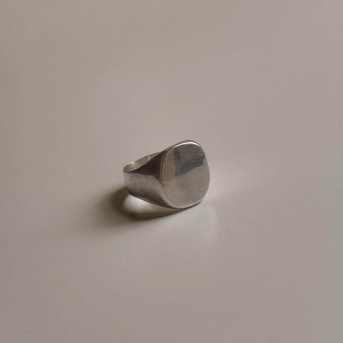 sg-r04-silver