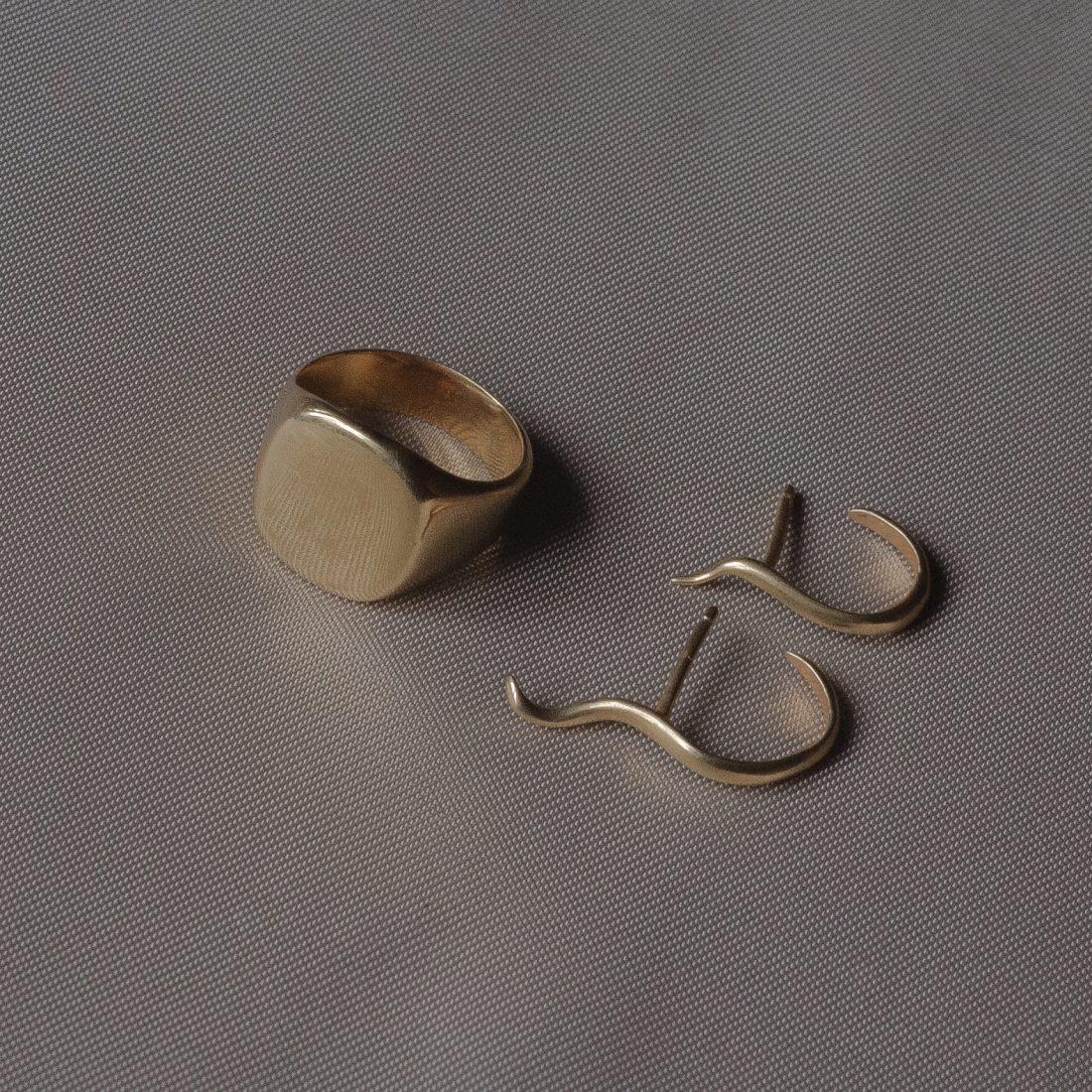 Комплект золотых украшений «Laconic»