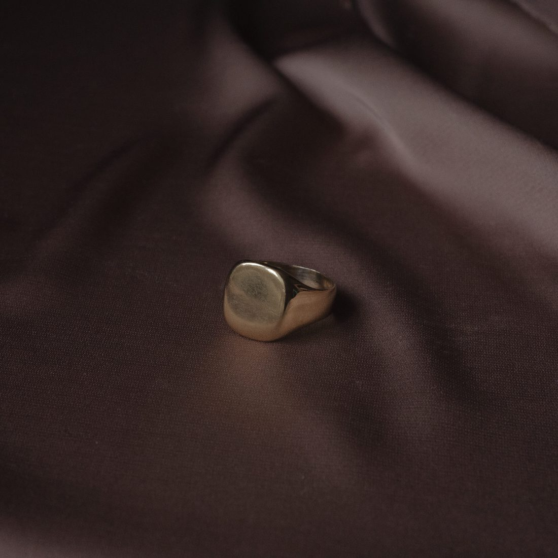 Золотая печатка «Laconic»