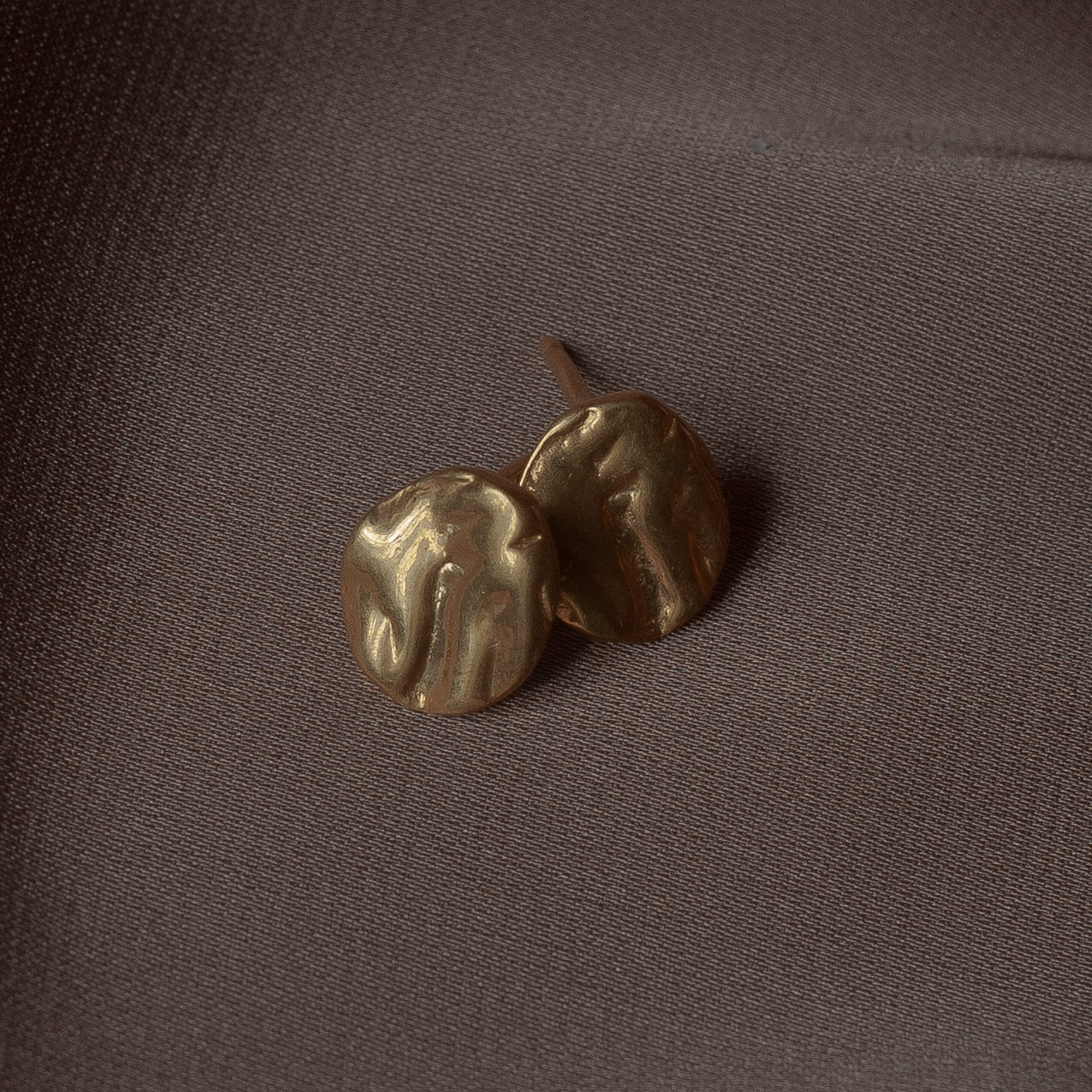zolotye-sergi-gvozdiki-r02-gold